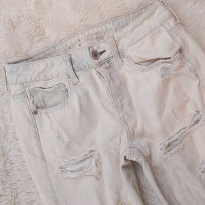 AMERICAN EAGLE Tomgirl Destroyed Bleached Out Sz 2